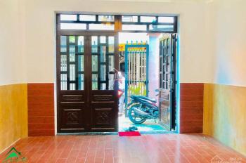 Bán nhà mặt phố đường Võ Văn Ngân, ngay Vincom, SHR cấp 4- 73m2, giá 4 tỷ