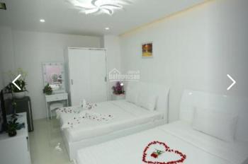 Cho thuê khách sạn đẹp nhất mặt tiền Bùi Viện quận 1. DT 8x20m hầm trệt 5 lầu. LH 0947608788
