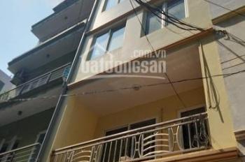 Cho thuê nhà ngõ 12 phố Đỗ Quang, DT 55m2 x 5 tầng. Nhà đẹp đủ nội thất gần mặt phố