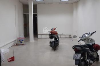 Cho thuê nhà 4 tấm giá tốt mặt tiền đường CMT8, Phường 5, Quận Tân Bình