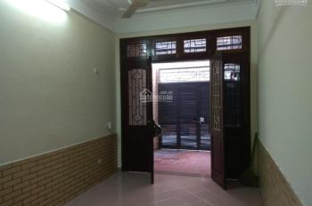 Cho thuê nhà riêng 3 tầng, 2 phòng ngủ tại Thượng Đình, giá 8tr/tháng, có đồ. LH 0987885488