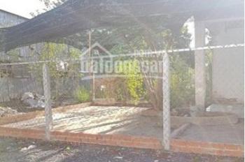 Kẹt tiền kinh doanh nên bán nền đất giá rẻ cách chợ Hòa Khánh, DT 10x30m (305m2), sổ riêng