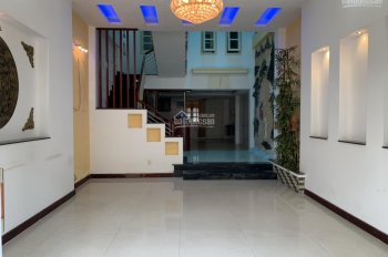 Cần bán nhà 03 tầng và nhà cấp 04 còn mới trung tâm quận Sơn Trà