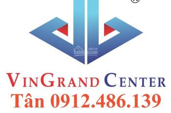 Bán nhà MT đường thiên phước Q.Tân Bình 5,2mx22m 1 hầm 3 lầu giá chỉ 200tr/1m2
