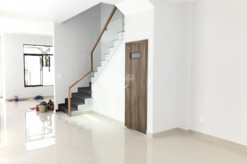 RENTAL HOUSE FOR RENT IN DISTRICT 2, PRICE 25 MILLION VND (CALL- 0917810068 )