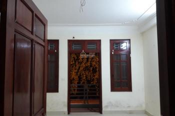 Cho thuê phòng vip 35m2 khép kín Phùng Khoang gần Làng VK Châu Âu 3.3tr/th riêng chủ. LH 0946467668