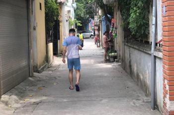 Gia đình cần bán gấp 32,8m2 đất Cửu Việt 2, giá chỉ 1.1 tỷ.