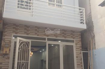 Nhà bán ngay chợ Tân Sơn Nhất, 1 trệt, 1 lầu, 2 PN, 2 WC (chính chủ)