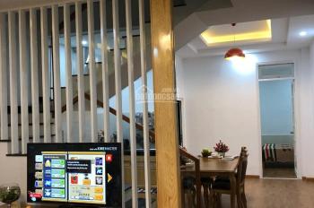 Vỡ nợ, bán gấp trong tuần, nhà mặt tiền , kqh Ngô Quyền, DT 180m,  giá rẻ nhất vùng. Lh 0355518687