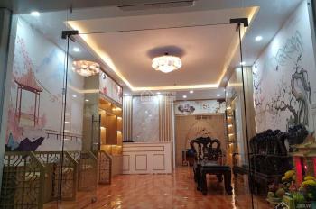 Cần cho thuê nhà mặt phố Nguyễn Trường Tộ, DT 50m2 x 3t, MT 5m, giá 36tr/th. LH e Hiếu 0974739378