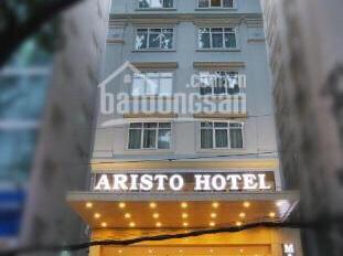 Cho thuê khách sạn mặt tiền Lê Thánh Tôn, p Bến Thành, Q1 31 phòng TM. Giá 345 triệu
