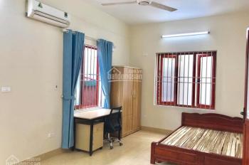 Cho thuê phòng khép kín giá 1.6tr - 2tr/th ngõ 185 Chùa Láng, gần ĐH Ngoại Thương, Luật