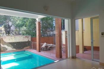 Bán biệt thự sân vườn bể bơi ở Tây Hồ, giá tốt. 0942294555