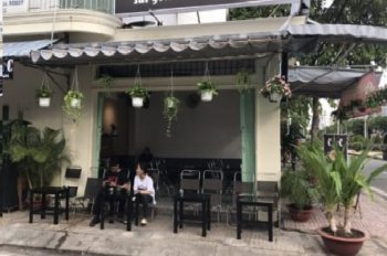 Nhượng quán café 2 mặt tiền khu Vĩnh Phúc,DT: 80m2. 160 triệu
