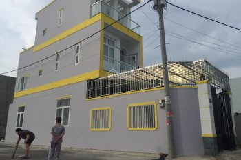 Bán nhà phố 1 trệt, 2 lầu 1ST trung tâm Lò Lu, Q9, giá cực mềm đường ô tô, 90m2, 4.9 tỷ, 090998078