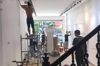 Cho thuê nhà mới sửa đẹp phố Lê Ngọc Hân 80m2 x 3 tầng, MT4,5m. Kd mọi mô hình. LH: 0974433383
