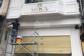 Cho thuê nhà mới sửa đẹp phố Bạch Mai đoạn đẹp nhất phố. 45m2 x 2 tầng, MT4m. LH: 0974433383