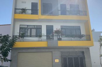 Cho thuê nhà nguyên căn mặt tiền dài 10m, bao gồm nội thất 5 phòng ngủ TP. Nha Trang. LH 0905330303