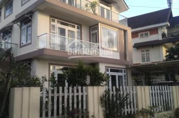 Bán gấp biệt thự mới xây gần ngay mặt tiền Quang Trung, phường 9, Đà Lạt, 623m2, pháp lý đầy đủ