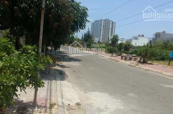 Đất 2 mặt tiền, 110m2, đường 15m có vỉa hè, đối diện là công viên. Chính chủ bán