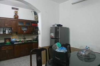 Cho thuê nhà ngõ 1 Phan Đình Giót, diện tích 60m2, 3 tầng. Ô tô vào tận cửa