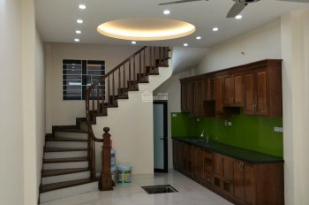 Nhà trong ngõ 325 phố Kim Ngưu, Lò Đúc, Hai Bà Trưng 35m2, 5 tầng, giá 2.85 tỷ, 0913571773