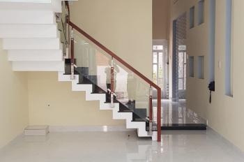 Cho thuê nhà 3 lầu đẹp 4PN 3WC 2 mặt tiền trước sau hẻm Lý Thánh Tông