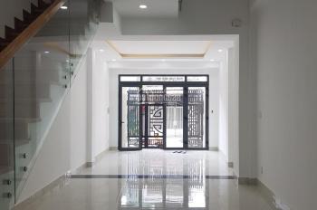 Nhà mặt tiền đường Số 49, Tân Quy 3 lầu ST nội thất gỗ
