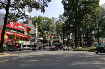 Bán nhà đường Trương Định, Quận 3, 5mx12m, trệt, 5 lầu ngay CV Tao Đàn. Giá 18 tỷ TL 0909366493