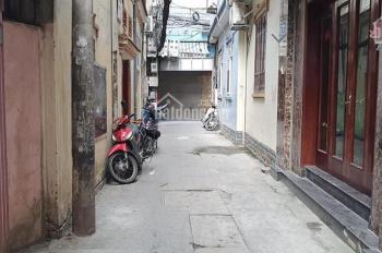 Nhà phố Chính Kinh, DT 35m2 * 4T, gần phố, ô tô cách nhà 40m, giá 2.77 tỷ. LH 0868196626