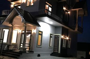 Bán căn biệt thự Đà Lạt, đường ô tô Nam Hồ, p11, mới, đẹp, sang trọng sân vườn đẹp