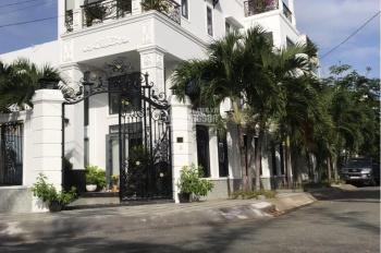 Bán biệt thự 8x20m nội thất cao cấp góc 2 mặt tiền khu Nam Long - Phú Thuận, Quận 7