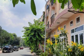 Cho thuê căn đẳng cấp 5 sao D1 việt sing (vsip1) 7,7tr/tháng full nội thất gần AEON LH:0399244237