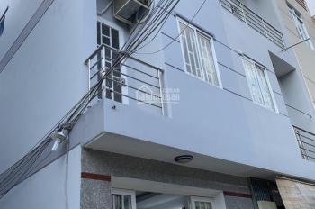 Bán gấp nhà SHR, 3 tầng, 4 PN, hẻm xe hơi gần chợ Phú Xuân