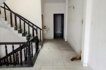 Chính chủ cho thuê nhà mặt tiền đường Phan Đình Phùng, P. Hiệp Phú, Quận 9, giá rẻ. LH: 0903836785