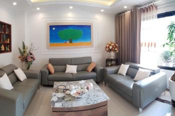 Chính chủ cần bán BTLK tại Nguyễn Văn Cừ, Long Biên, LH: 0868929989