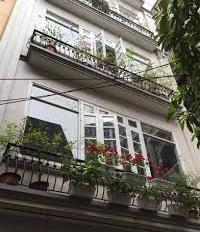 Cho thuê nhà riêng 5 tầng, 6PN ngõ 279 Đội Cấn