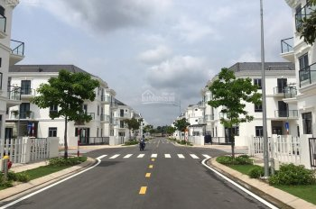 Bán nhà phố Q. 9 KDC Simcity DT: 6x14.3m, trệt, 2 lầu ngay khu tiện ích dự án. LH: 0909128189