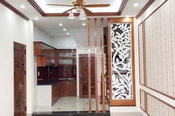 Bán nhà phố Ngọc Thụy, 5 tầng, 45m2, full nội thất, 3.5 tỷ. LH 0936367270