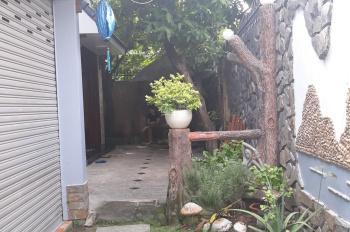 Cho thuê villa P. Bình An và Thảo Điền, giá 36 triệu/th. LH: Quân 0901380809