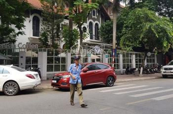 Sang nhượng cafe mặt phố Nguyễn Thị Định, Trung Hòa, mặt tiền 28m, biệt thự lô góc sân vườn