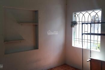 Nhà còn trống 1 phòng, cho nữ sinh viên thuê hoặc cán bộ số nhà K82/20 Nguyễn Văn Linh