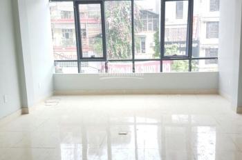 Cho thuê văn phòng đường Trần Kim Xuyến, Cầu Giấy. DT: 80m2, MT: 5m, LH: 0967 541 501