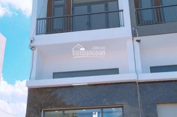 Cần bán nhà 1 trệt 1 lửng 2 lầu, khu villa xanh Q12. DT 4*13m, LH 0932673352