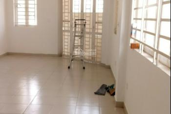 Cho sinh viên nữ thuê tầng 1, diện tích 60m2. LH 0938363779