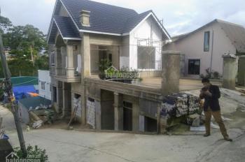 Cần bán nhà 2 mặt tiền gần Hoàng Văn Thụ, vị trí phong thủy tốt, xe hơi vào tận nhà