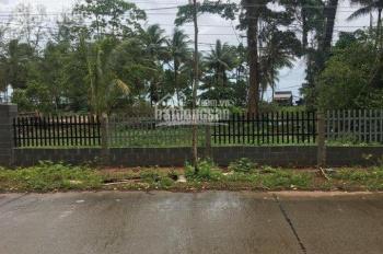 Kẹt tiền bán gấp 4 công mặt biển xã Bãi Thơm - Bãi biển đẹp tắm vivu, giá 2 tỷ/công - đất như hình