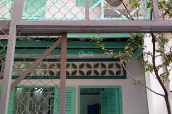 Cho thuê nhà nguyên căn đường Hòa Hưng, P. 13, Q. 10, có máy lạnh, sân trước để xe, bếp điện