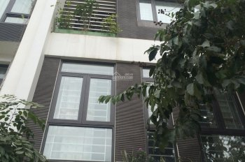 Cho thuê nhà nguyên căn 80m2, xây 5 tầng, làm văn phòng, đào tạo, nhà ở quận Cầu Giấy
