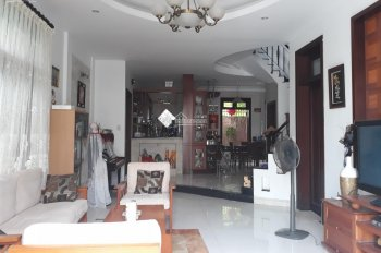 Nhà phố cho thuê 15x15m, 1 trệt, 2 lầu, 4 phòng, 40 triệu. LH 0901380809